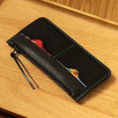 100% Hand-stitched Black Vegetable Tanned Leather Wallet Black