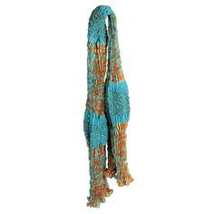 Foulard en soie Waves, or et beige   Étoles et foulard   Pinterest ... df03c02b489