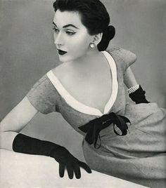 1950's fashion - dovima photo john rawlings 1952