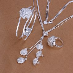 Rose Pendant Jewellery Set