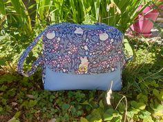 Sac à langer Boogie en bleu coton renarde cousu par Sweet Lili - Patron Sacôtin