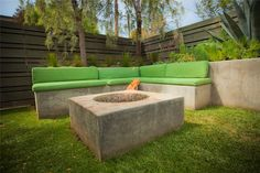 Square Fire Pit, Modern Fire Pit Built-In Seating Landscaping Network Calimesa, CA