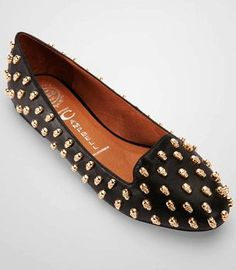 Black Ladies Flat Shoes - Studded Ladies Flat Shoes #studded #flats www.loveitsomuch.com