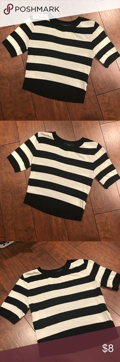 Short top Short forever 21 stripe top worn once Forever 21 Tops Crop Tops