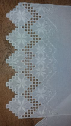 Bead Embroidery Patterns, Hardanger Embroidery, White Embroidery, Beaded Embroidery, Embroidery Stitches, Embroidery Designs, Crochet Bedspread, Parchment Craft, Bargello