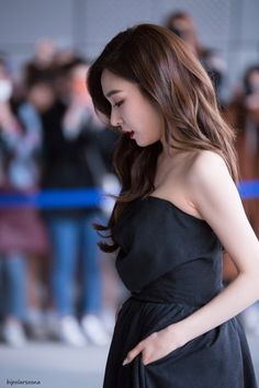 Find images and videos about snsd and tiffany on We Heart It - the app to get lost in what you love. Tiffany Girls, Snsd Tiffany, Tiffany Hwang, Girls' Generation Tiffany, Girls Generation, Korean Girl, Asian Girl, Kpop Hair, Girl Day