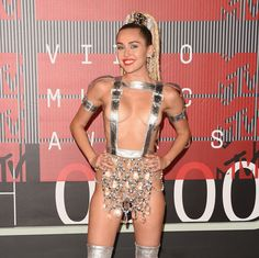 Host Miley Cyrus dropped jaws on the red carpet at the 2015 MTV Video Music Awards. Beautiful Gorgeous, Gorgeous Women, Miley Cyrus Crazy, Miley Tattoos, Mtv Video Music Award, Music Awards, Summer Photos, Red Carpet Fashion, Celebs
