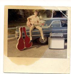 Vintage Colors, Retro Vintage, Retro 2, Vintage Photographs, Vintage Photos, Rock And Roll Fantasy, Awkward Photos, Fun Shots, Magic Carpet