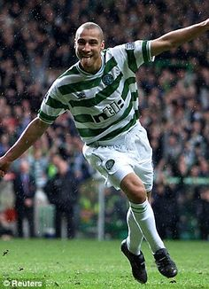 Henrik Larsson (Celtic FC, 1997–2004, 221 apps, 174 goals)