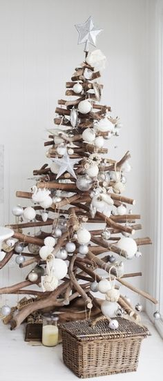 Grand Driftwood Christmas Tree - creative idea for a coastal Christmas Driftwood Christmas Tree, Beach Christmas, Coastal Christmas, Diy Christmas Tree, Modern Christmas, Christmas Love, Rustic Christmas, Winter Christmas, Merry Christmas