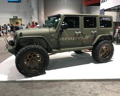 Starwood Custom Jeep in @readylift Booth @semashow #starwoodmotors #sema2016