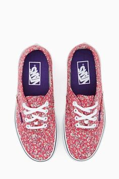 Authentic Sneaker in Leaves by #Vans x #LibertyLondon