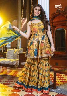 Modest Fashion Hijab, Indian Fashion Dresses, Fancy Kurti, Long Skirt Outfits, Patiala Salwar, Formal Suits, Indian Attire, Western Dresses, Wedding Suits