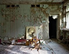 Inside the nuclear wasteland of Chernobyl: David McMillan's haunting photographs - KOMEX