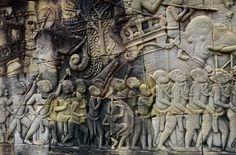Bas-relief mural décrivant une scène de bataille, temple du Bayon, fin XIIe-début XIIIe siècle.