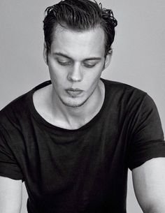 Anonymous said: What are your favorite pics and gifs of Bill? Answer: I can only put ten…🥺🥺 Lil squishy face🙈🥰 Hot Actors, Actors & Actresses, Bill Skarsgard Pennywise, Skarsgard Family, I Have A Crush, Hazel Eyes, Tom Hardy, Pretty Boys, Sexy Men