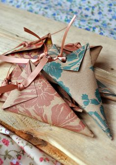 Handmade confetti cones by Minnie Sprinkles. Facebook.com/minniesprinkles