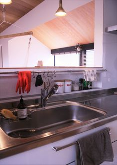House Design, Kitchen Design Small, Kitchen Cabinets, Kitchen Hacks, Contemporary Kitchen, Dining Room Cozy, Sweet Home, Kitchen Hacks Design, Kitchen Design