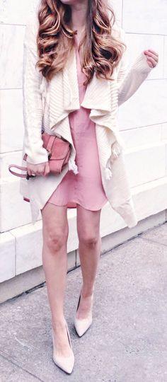 #outfits #spring blanca chaqueta de punto y rosa vestido y bombas Desnudos