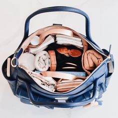 Look at this neat and tidy diaper bag . we just love how organized you are! Mamas we'd love to hear what your one diaper bag essential is . what's the one item you don't leave the house with? Diaper Bag Essentials, Diaper Bag Purse, Shopping Cart Cover, Breastfeeding Cover, Cute Baby Girl Outfits, Baby Hacks, Baby Accessories, Baby Fever, Baby Things