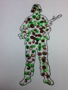 Fingerprint soldier cards K Crafts, Blue Crafts, Fun Crafts For Kids, Summer Crafts, Pak Independence Day, Independence Day Activities, Military Crafts, Military Party, Toddler Art