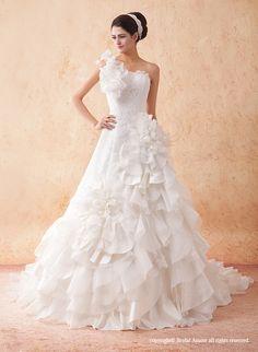 【楽天市場】ウェディングドレス_ウエディングドレス_Aライン_プリンセス(w2401)二次会ドレス:ブライダルアモーレ