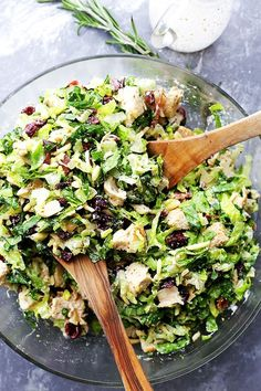 Cranberry Chicken Salad with Light Dijon Parmesan Dressing - Festive and delicious chicken salad packed with sweet cranberries, crunchy almonds, crispy bacon, and a creamy salad dressing that is lightened up, yet SO flavorful! Cajun Chicken Salad, Chicken Salad Recipes, Chicken Salads, Best Salad Recipes, Healthy Recipes, Healthy Dinners, Easy Meals, Chicken Salad Recipe With Almonds, Cranberry Chicken