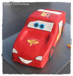 Silvia's Tortenträume: Lightning McQueen - Cars - Fondant Originalbeitrag incl. Anleitung etc:  https://www.facebook.com/SilviasTortentraeume/posts/1025796830854638