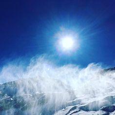 POWDAE #bergsports #stubai_glacier #bestoff #snowboarden #skiing #musik #gletscher #sun #nature #sunshine #hiking #berge #mountains #travel #love #lovewinter #alps #snow #powder #natursports #googlife #alpen #österreich #travelbug #wonderful #travellife #traveltips #travelgram #trip #fun