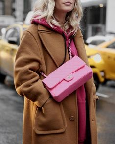 shop the look here Chanel Rose, Chanel Pink, Fashion Bags, Fashion Outfits, Pink Fashion, Fashion Fashion, Mode Ootd, Bcbg, Barbie