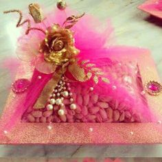 1st choice gift : trousseau packing in pink theme. Facebook.com/1stchoicegift