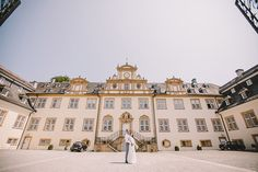 Foto: @connylietz  Schloss Ehreshoven Louvre, In This Moment, Adventure, Bride, Mansions, House Styles, Building, Travel, Photos
