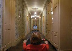 """El resplandor"" (""The Shining"", 1980). Dir. Stanley Kubrick. Stars: Jack Nicholson, Shelley Duvall, Danny Lloyd."
