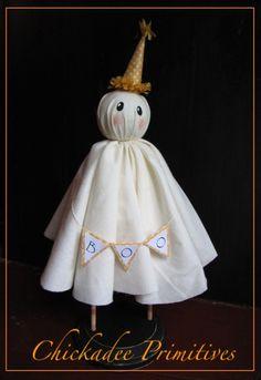 primitive-folk-halloween-ghost-pattern