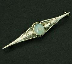FONS REGGERS 1886-1962 - Brooch with round cabochon cut moonstone design execution ca.1935