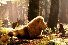 The Chronicles of Narnia: Prince Caspian is the second of C. Lewis's classic Narnia sequence of fantasy novels to be filmed. Aslan Narnia, Narnia Lucy, Narnia Cast, Comic Collage, Cair Paravel, Narnia Movies, Hogwarts, Lucy Pevensie, The Valiant