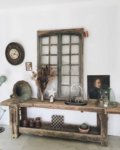 Discover recipes, home ideas, style inspiration and other ideas to try. Entryway Decor, Entryway Tables, Vintage Shutters, Home Design, Interior Design, Woodworking Bed, Cafe Interior, Diy Home Decor, Sweet Home