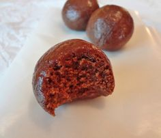 Chocolate Nut-Butter Protein Balls  2 Tablespoons honey (or agave nectar)  2 Tablespoons favorite nut/seed butter  1 Tablespoon almond milk  1 teaspoon vanilla extract  5 Tablespoons vanilla or chocolate protein powder  2 teaspoons cocoa powder