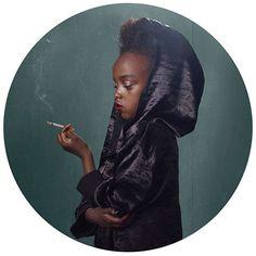 """""""Smoking Kids"""": Die Widersprüchlichkeit des Rauchens"""
