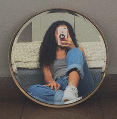 Teen Photography Poses, Hair Photography, Aesthetic Women, Aesthetic Girl, Girl Photo Poses, Girl Photos, Girls Mirror, Hidden Face, Selfie Poses