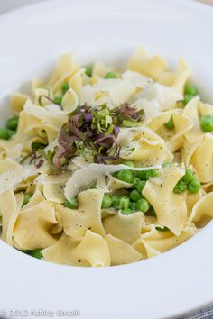 Garlicky Egg Noodles with Parm and Peas