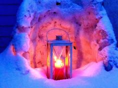Jemina Staalon matkaploki: Sininen hyinen olohuone, lunta sataa näyttöpäätteelle kuin päivitys Palsan teoksesta