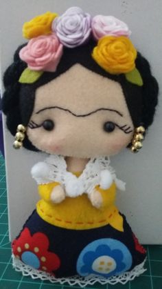 Boneca Frida Kahlo em feltro e tecido.                                                                                                                                                                                 Mais