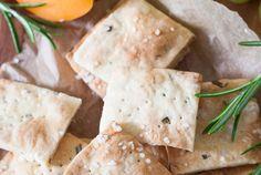 Rosemary Sea Salt Cracker – schnell, einfach und perfekt für euren nächsten Strandtag
