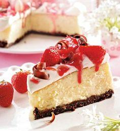 Cremiger Erdbeer-Cheesecake mit Schokokeksboden Rezept