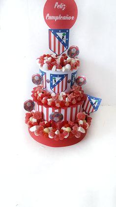 Tarta de chuches del Atletico de Madrid. Cumpleaños y celebraciones con muchas chuches.
