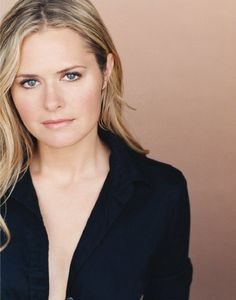 "Maggie Lawson wise funny handsome girl in #""Psych"""