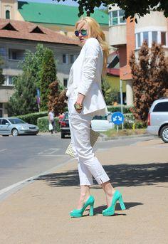 Fashion Spot: Daring Diva