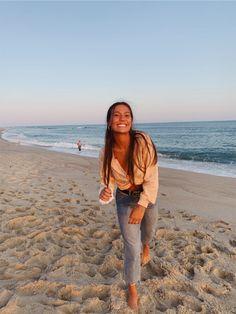 See more of mayadoonan's VSCO. Cute Beach Pictures, Cute Poses For Pictures, Insta Pictures, Beach Sunset Pictures, Beach Instagram Pictures, Friend Pictures, Pic Pose, Foto Pose, Picture Poses