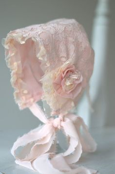 Newborn's Lace Pink & White Bonnet in Vintage Style . Baby Bonnets, Christening Gowns, Linens And Lace, Heirloom Sewing, Photography Props, Vintage Photography, Baby Sewing, Vintage Lace, Vintage Style